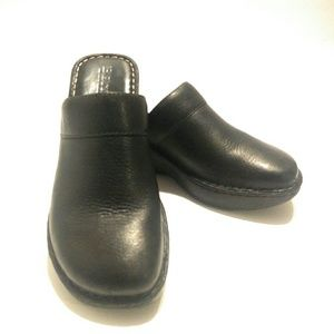 BORN Black Leather Clogs Women's Size 8